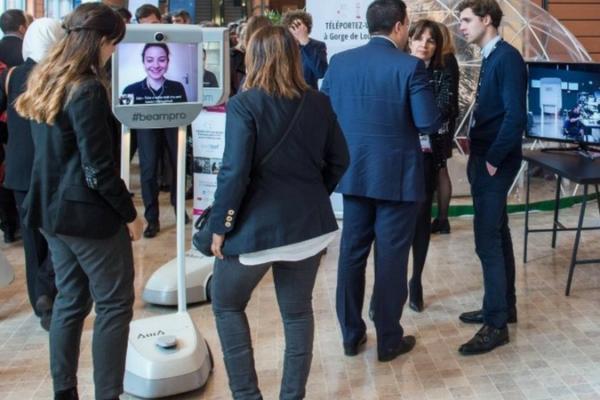 Awabot : participer à un salon à distance avec BeamPro