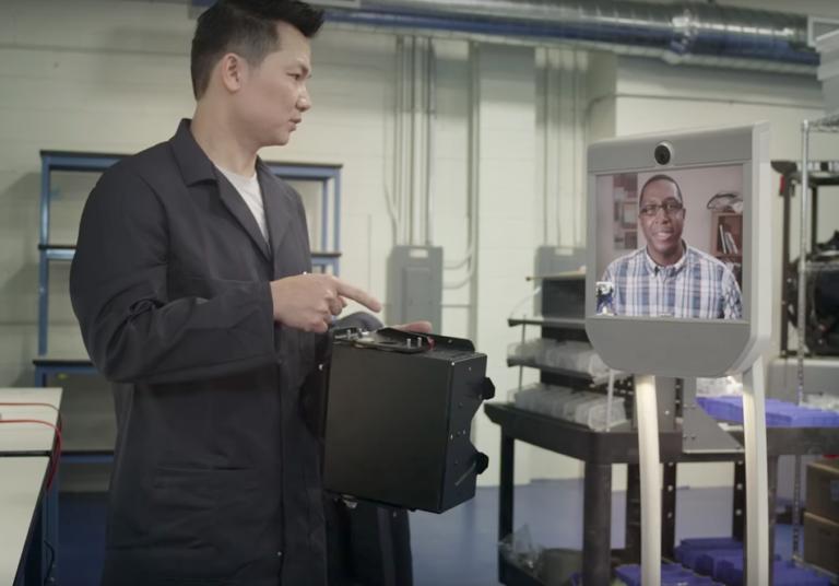 Robot de téléprésence BeamPro dans l'industrie