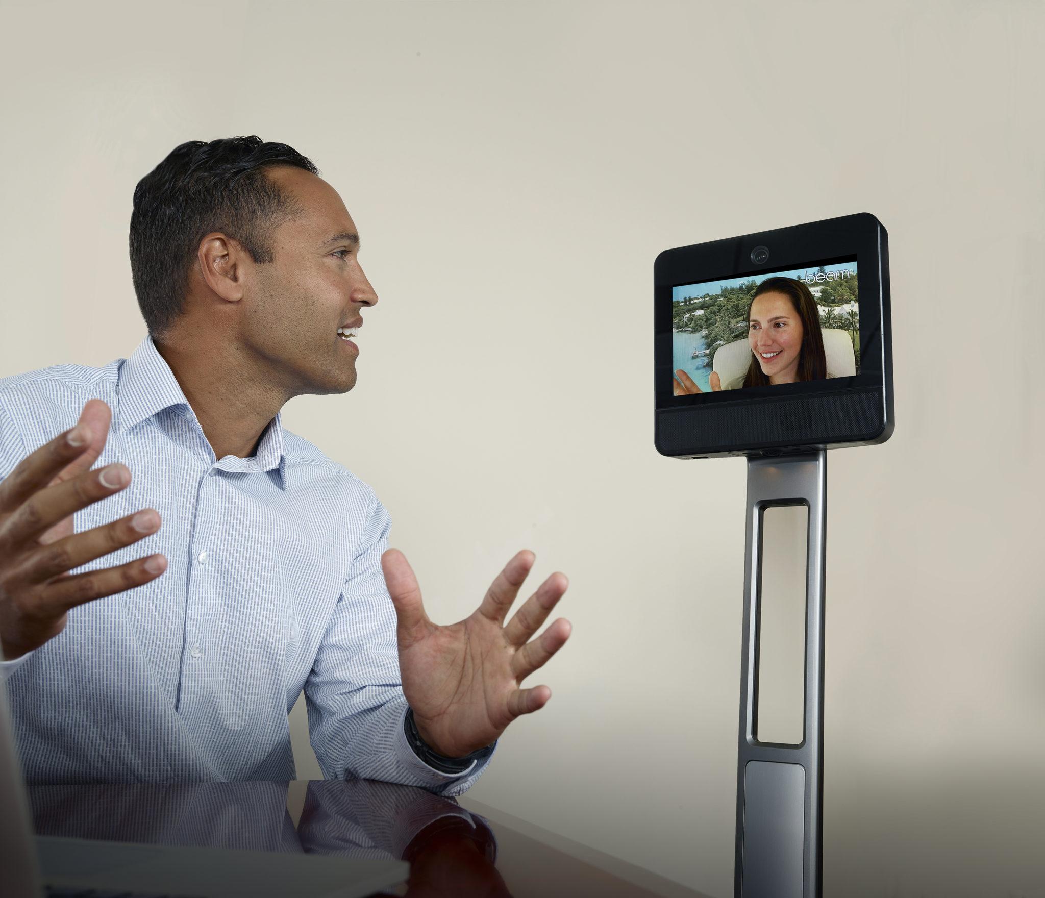 robot de téléprésence mobile pour particuliers avec Beam+